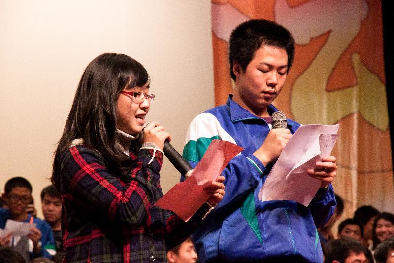 428。落叶归根·遮蔽风雨——在第29届青春旋律艺术节晚会上的发言 - 数学李老师 - 华师附中数学教育工作室